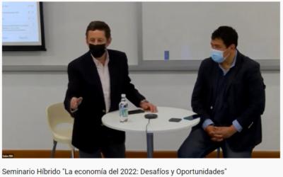 """Pregrado realiza primer seminario híbrido """"La economía del 2022"""""""